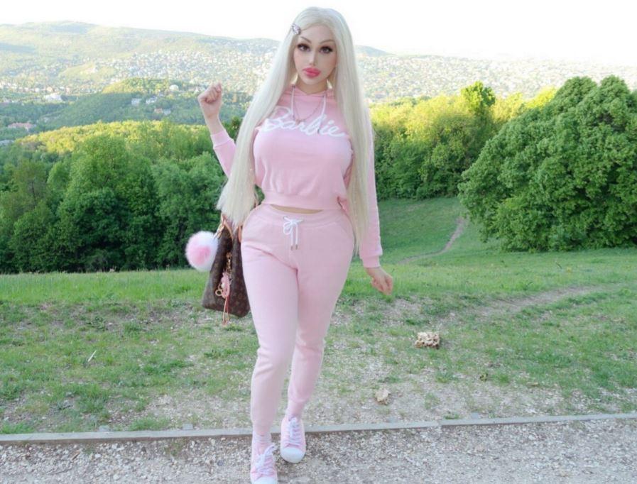正妹砸百萬整形成「芭比娃娃」卻因「造成異性困擾」被迫離職!