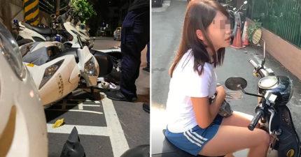 正妹騎車「被小強爬腿」 直接撞翻「整排警車」