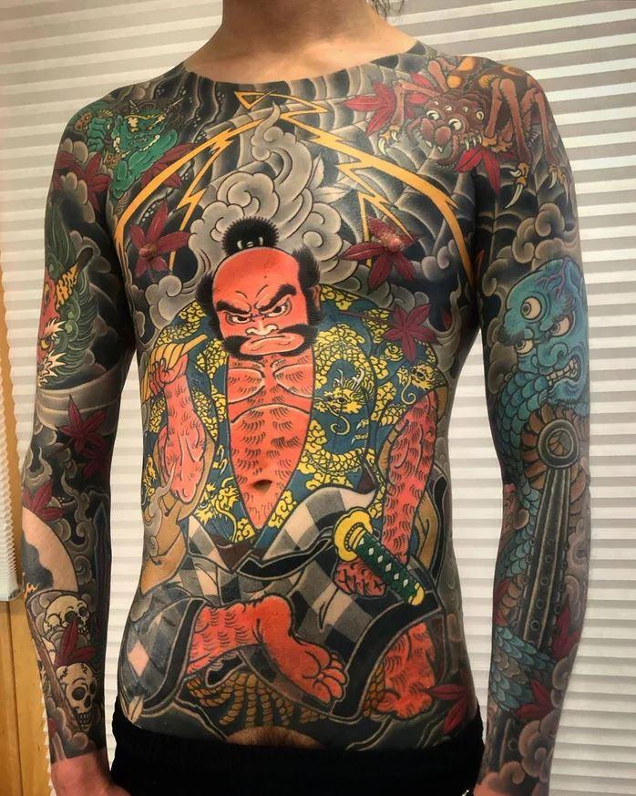 日本刺青師「專刺貓咪」回客率100% 還會讓貓皇「幫貓咪刺」