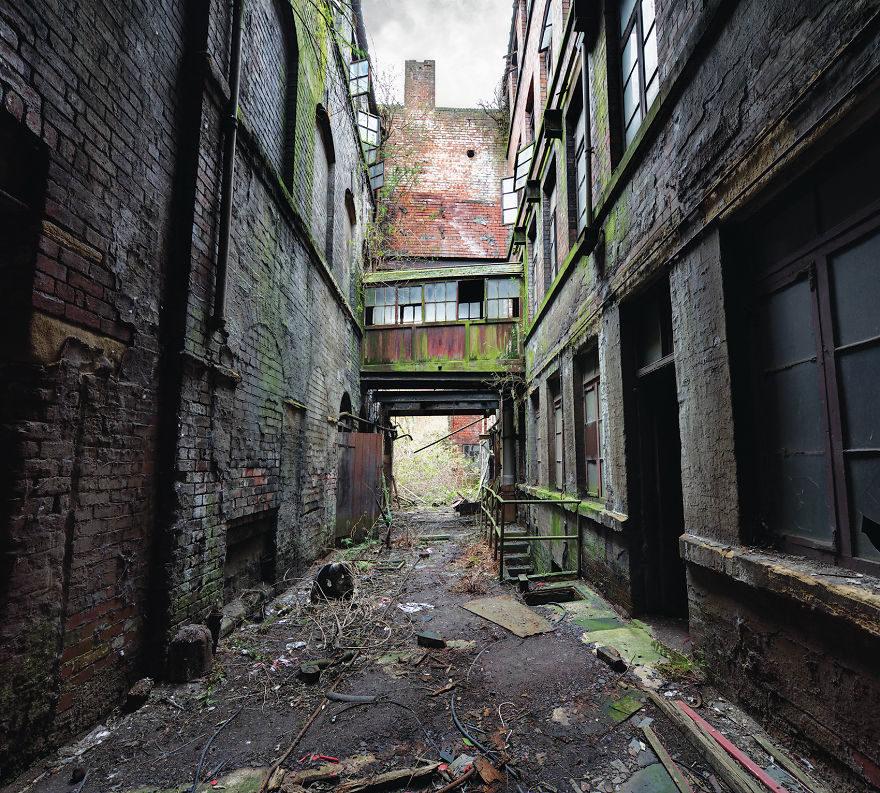 被世人遺忘的角落...在鏡頭下成了「全面啟動」的絕美廢墟!