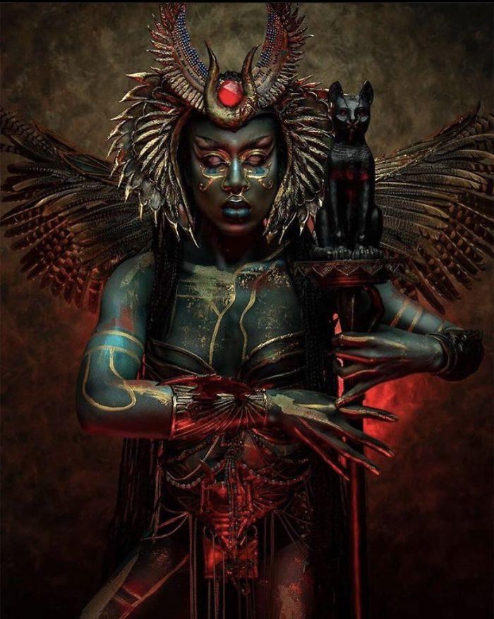 30張「美艷黑魔女」打破美白迷思 直視「精靈瞳孔」小心出不來!
