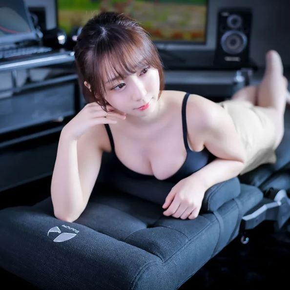 宅宅必搶!日本推出「各種不良姿勢」都不會痠痛的電玩椅