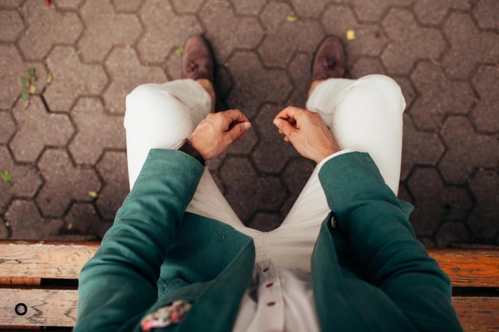 8種「看穿內心秘密」的坐姿心理學 「雙腿大開」的人超自大!