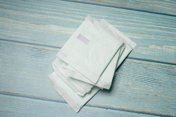 愛妻男幫買衛生棉...店內遭女子尖叫罵「變態」!他車上痛哭:錯了嗎