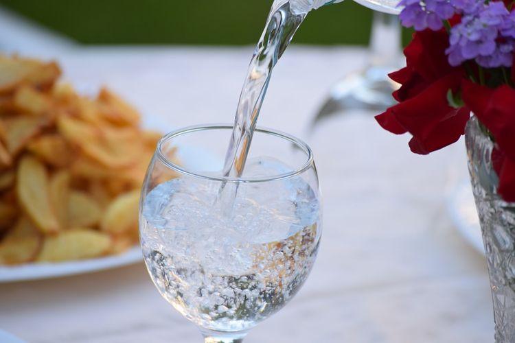 一整年沒喝水!35歲女稱靠「禁水法」變健康 她:需要水只是幻想
