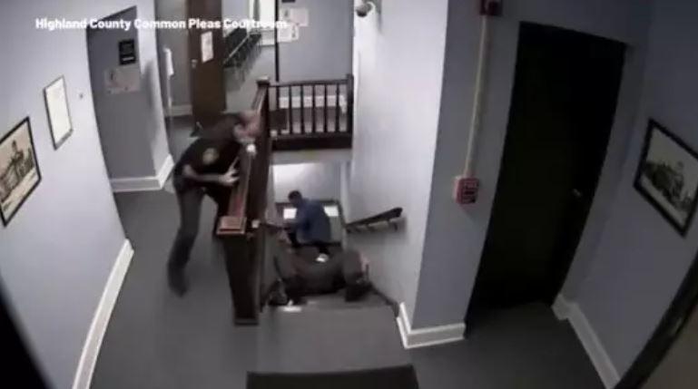 以為拍電影!法庭上演「毒犯大逃亡」...驚險過程連警察都摔慘
