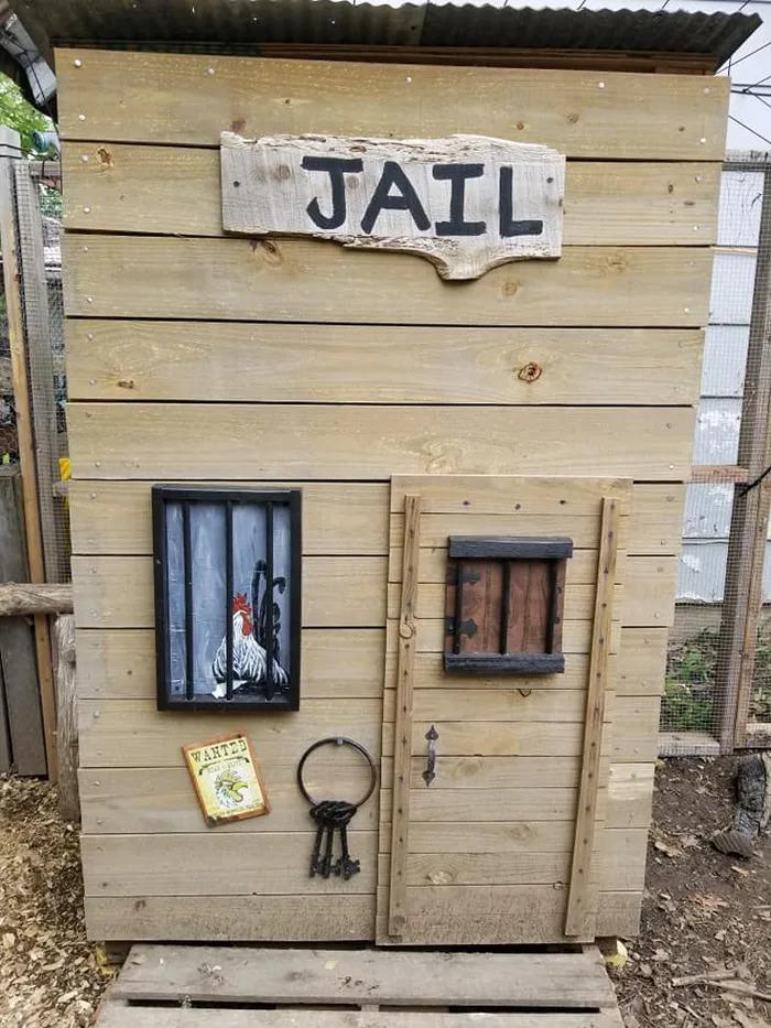 寵妻狂魔蓋「西部牛仔村」送老婆開心養雞 連理髮廳跟監獄都有