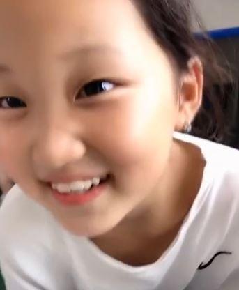 好奇女童「不吃西瓜」 一問超暖理由老師淚崩:是來報恩的孩子
