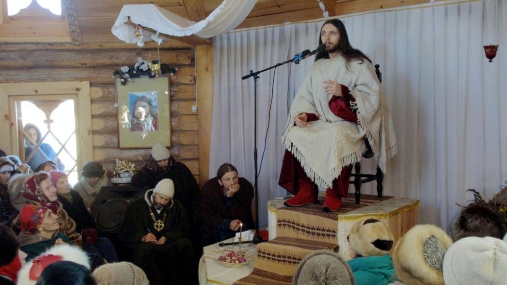 自稱「耶穌轉世」!5000千信徒忠心追隨 政府怒派武裝部隊逮捕他