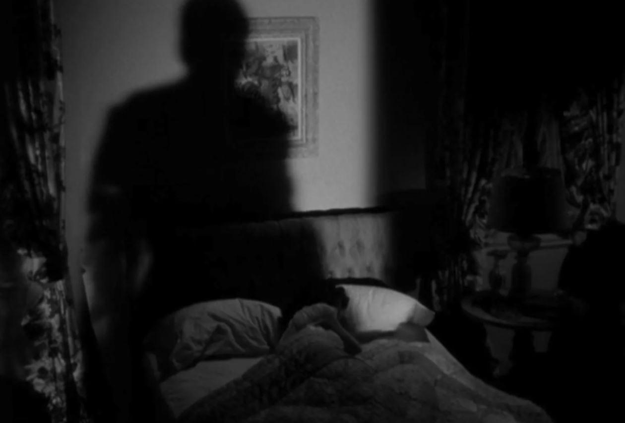 出門吃飯...回家驚見「床上多一個人」!他自曝理由超無言