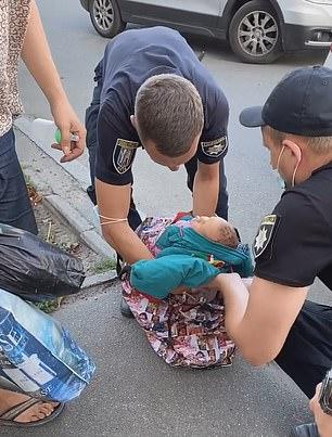 無腦媽「用提袋裝嬰兒」去購物 路人「聽到哭聲」嚇壞報警