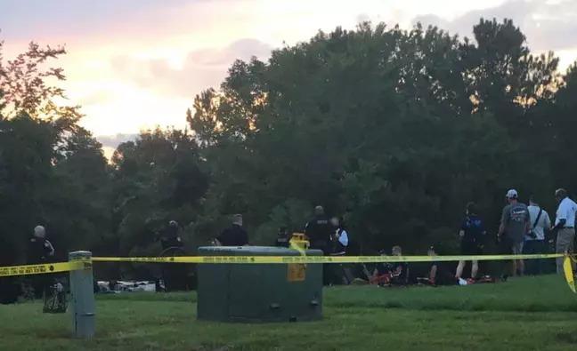 女子公園發現「一具人體」嚇壞 警察一看超尷尬:不是人