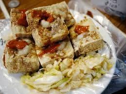 臭豆腐配「奇葩酸菜」讓網友大傻眼 沒想到留言區才是暗黑料理