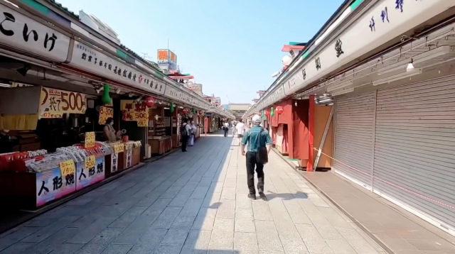 東京景點驚現「不可能奇景」 他拍下淺草寺現況:太安靜了