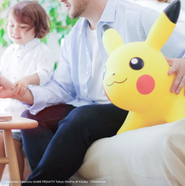 玩具公司推「大人小孩都可駕馭」的皮卡丘...你也能騎上去!