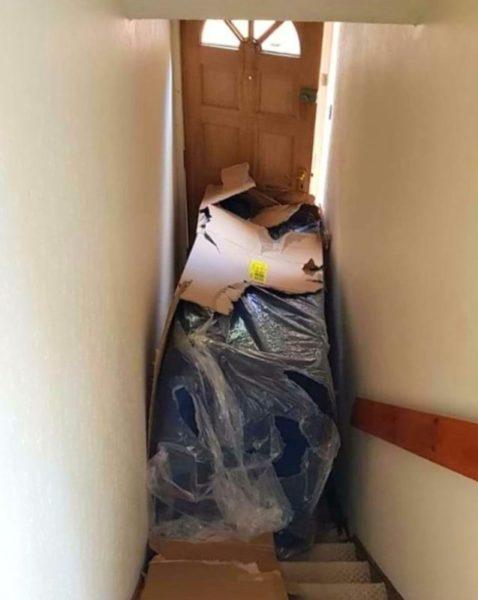 送貨包裹放門口...害媽媽被「困家2天」氣炸:連道歉都沒有!