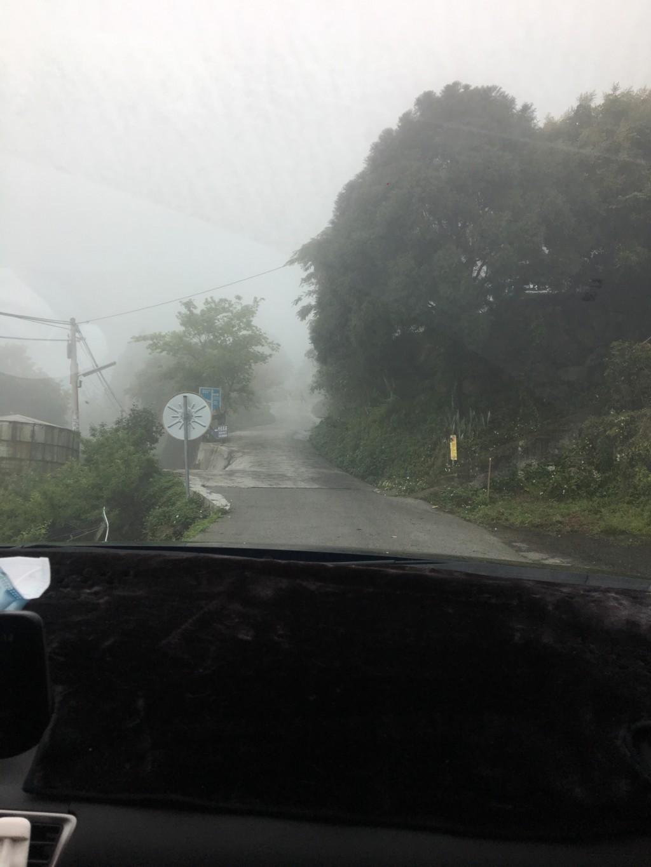 開山路被檢舉...車主氣瘋「吃飽太閒」違規照讓網友全戰翻!