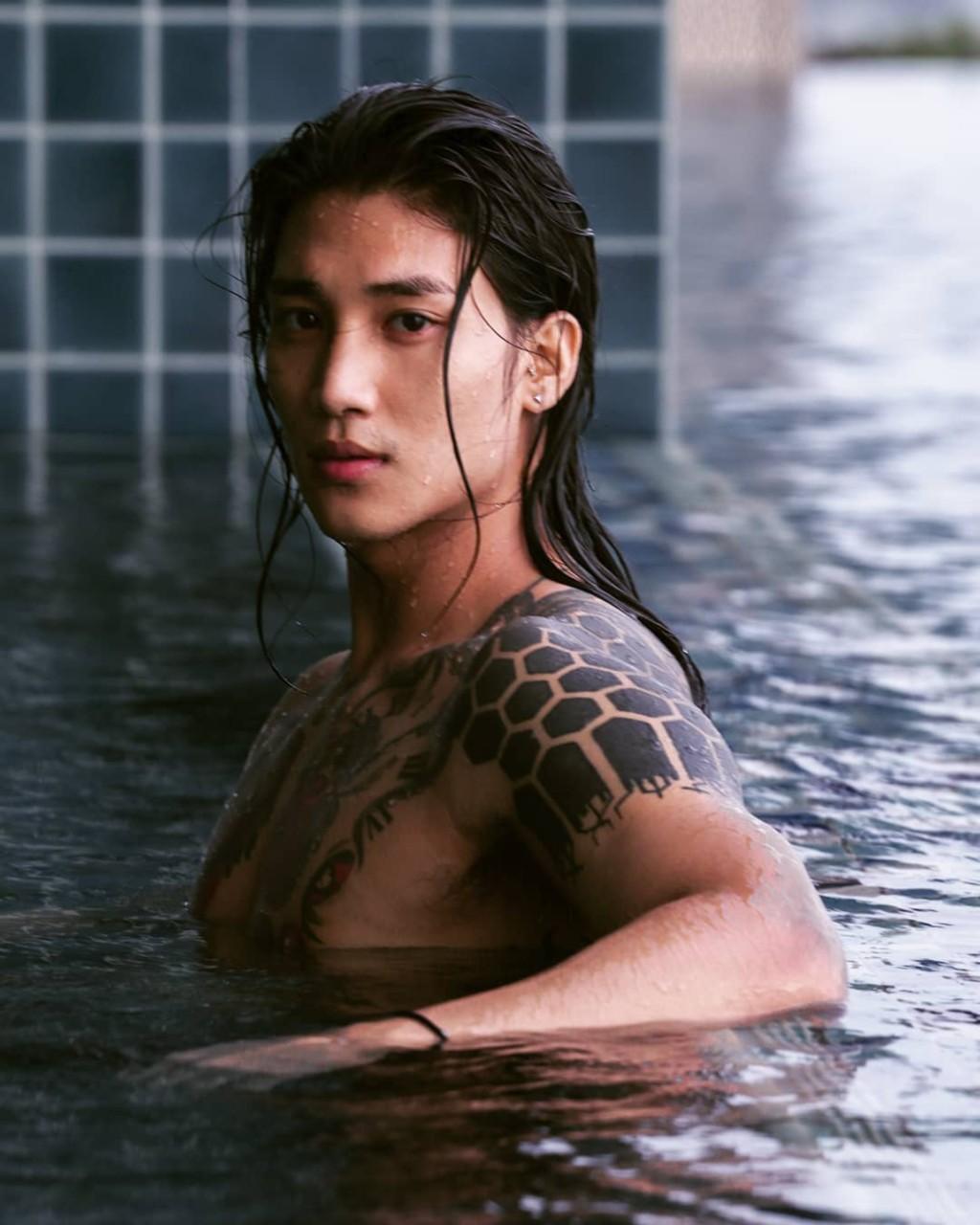行走的荷爾蒙!他被封「亞洲水行俠」能下廚、愛動物:根本完美男友