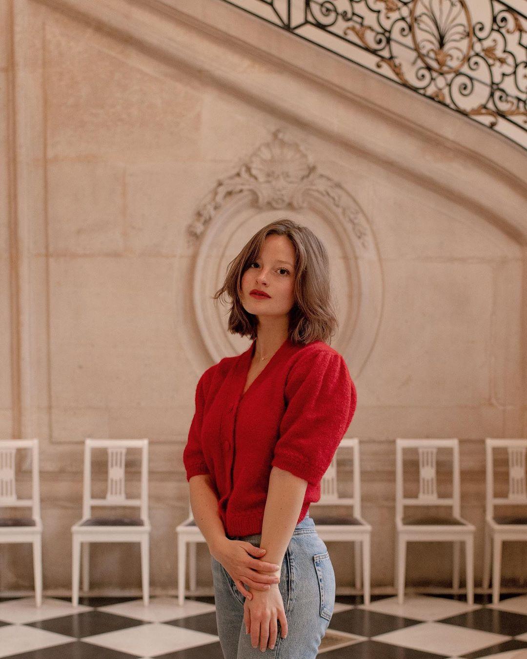 跟著158「復古老靈魂」法國女子學穿搭 她的單品你衣櫃都有!