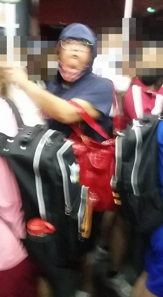 大媽在公車「狂嚼檳榔」亂噴汁 被「拍照存證」竟暴怒反嗆