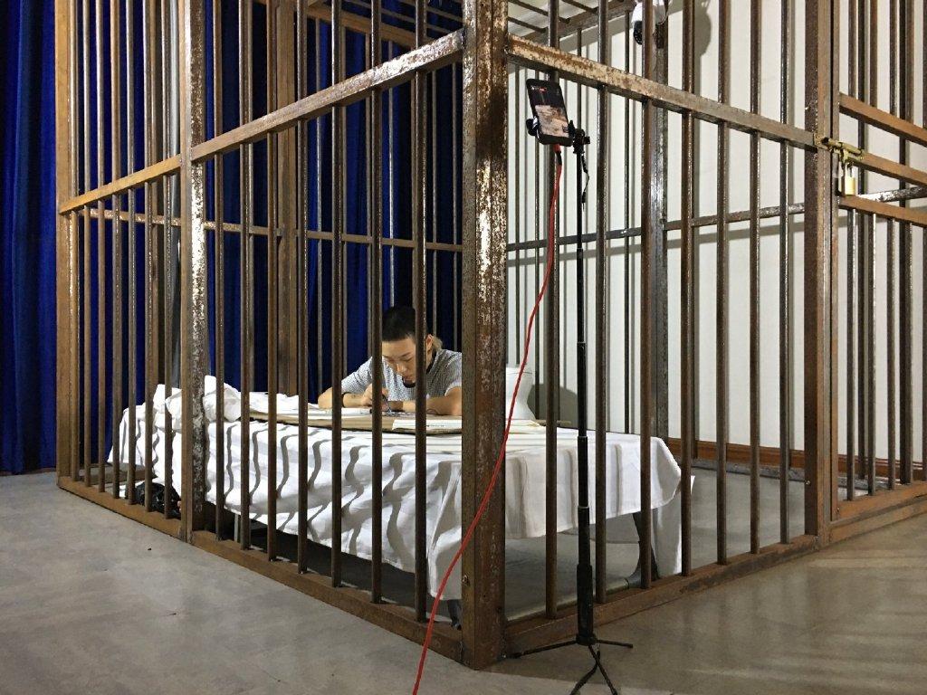 替人「坐牢一天」就有10000元!網路發文招募 背後原因超鼻酸