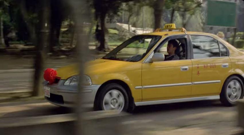 被裁員「偷開計程車」載到老婆 一句讓人淚崩:這就是家的模樣