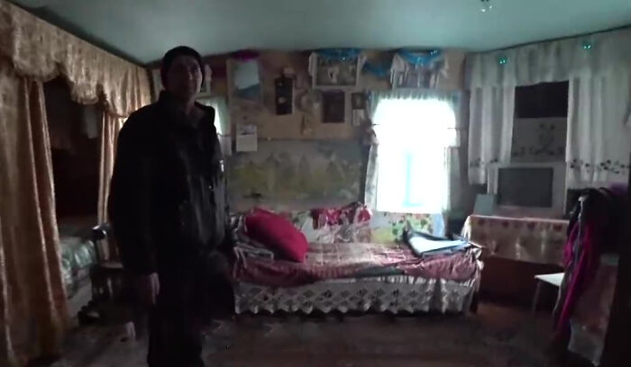 他勇闖車諾比驚見「被遺忘村莊」 發現一位92歲婆婆和兒子住在這!