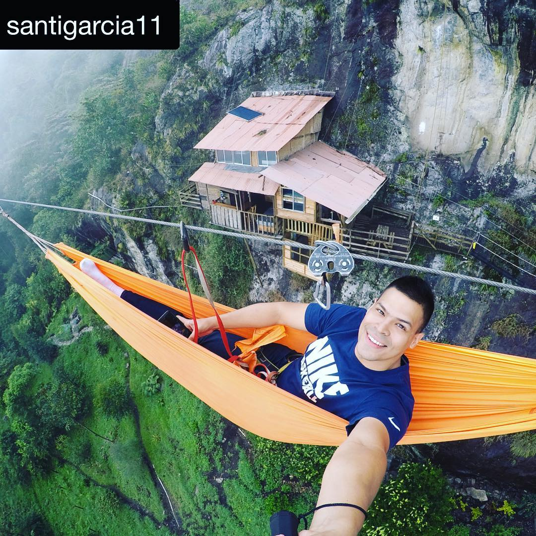 光看就腿軟!超神秘崖上旅館 遊客直接「吊在空中睡」太刺激
