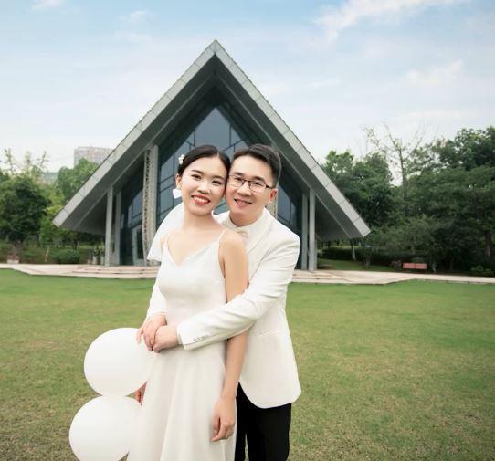 婚結一半「老公落跑」 新娘甜笑嫁對人:上輩子拯救地球