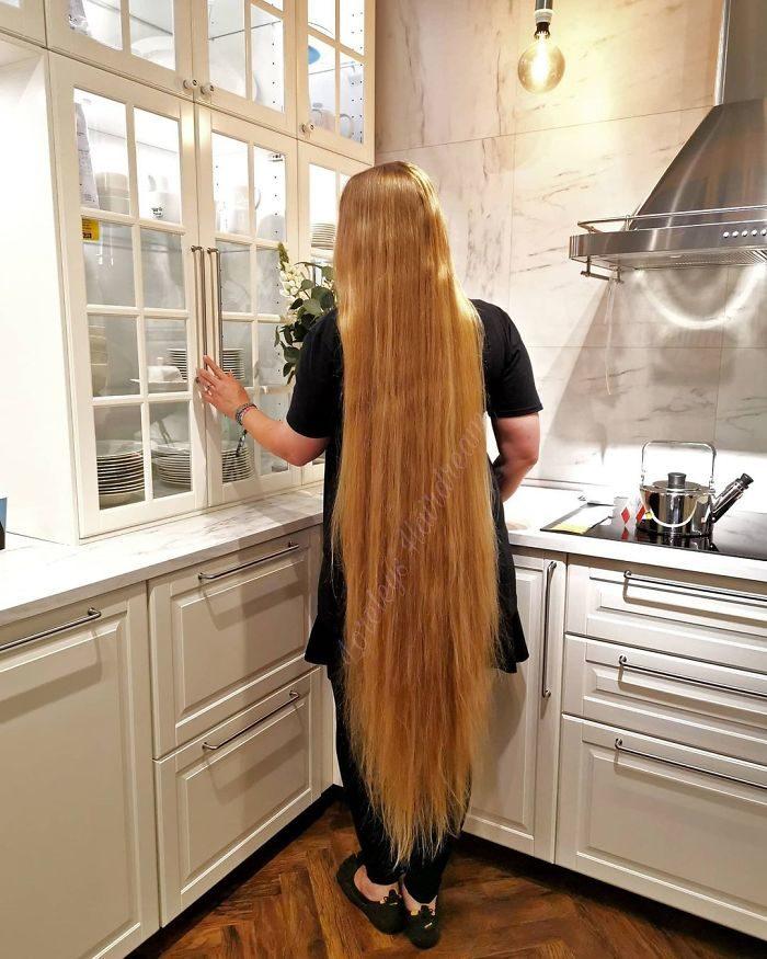 15年沒剪髮變真實「樂佩公主」 看到「2公尺長度編髮」讓你也想留長!