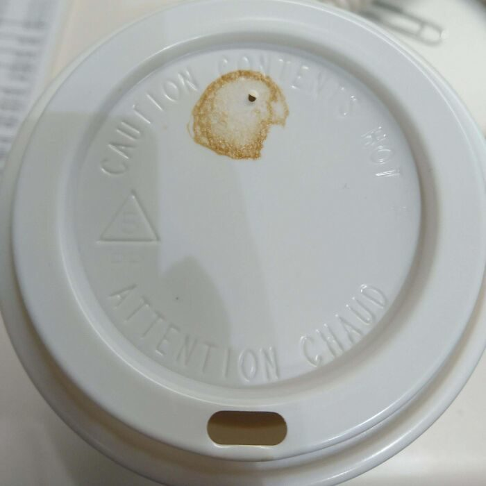 25張隨便倒「比用心美」的拉花 素描都比不上撒在桌上的咖啡