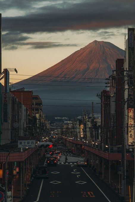 住「富士山旁邊」是什麼感覺?居民分享古畫一樣「每日風景」