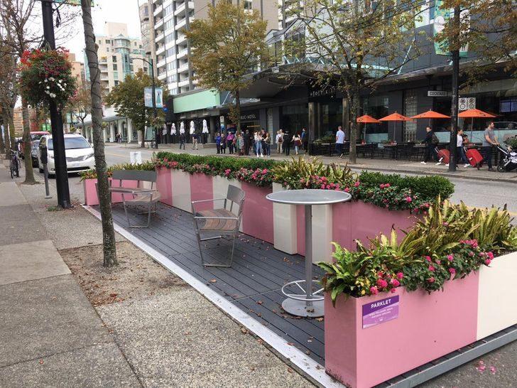 16個「比黃色小鴨更值得拍」的街頭藝術 楓葉斑馬線太浪漫