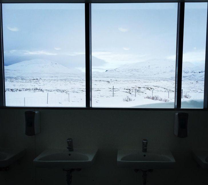 20件「讓冰島成為平行世界」的奇事 公廁外的風景打趴網美打卡點