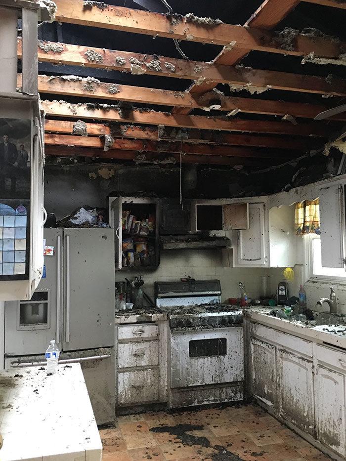 21張「害你阿嬤痛哭」的超暗黑料理 只想吃薯條連屋頂都炸飛