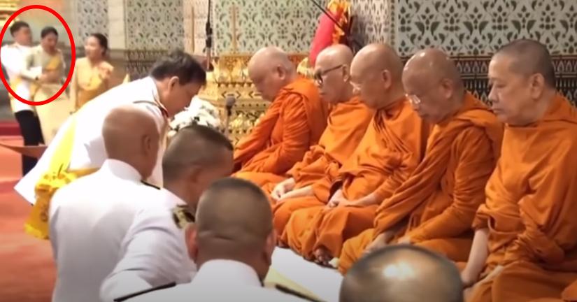 玩太大了?泰國王子典禮上「突然環抱公主」 「舉高高」過程全被拍下