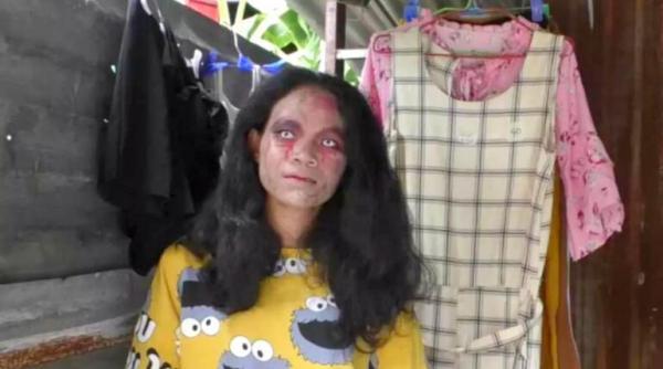 她扮殭屍「賣遺物」賺翻 半夜直播爆紅:都有洗過不用怕