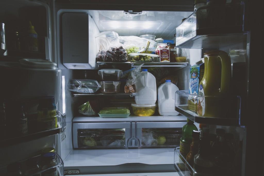 她怨「海鮮放男友家冰箱」被吃掉 網友反酸:怕人吃就冰自己家