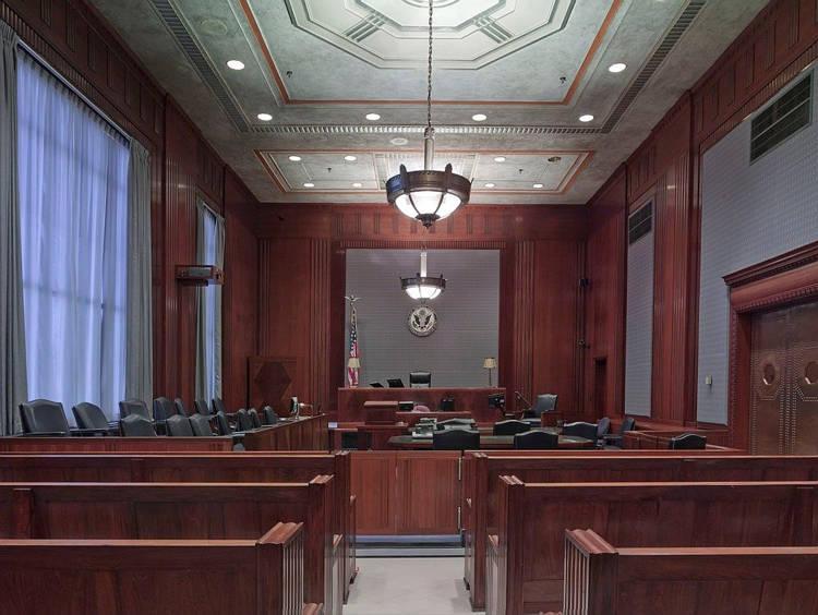 養我一輩子!41歲「巨嬰律師」法庭告爸媽:沒繼續給我錢
