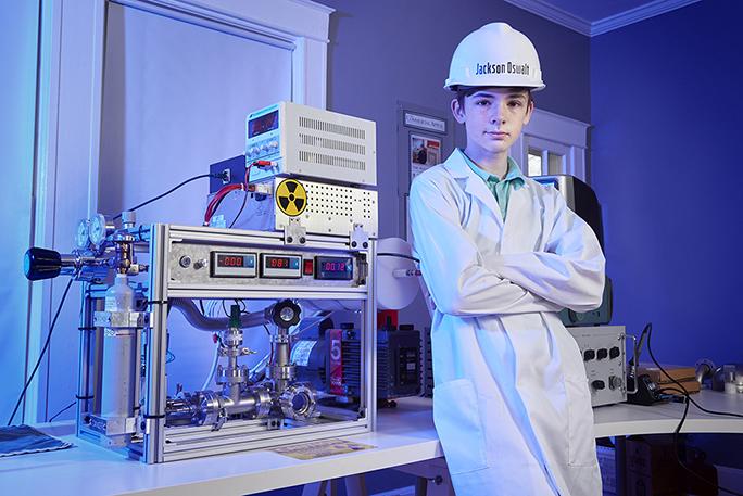 連老爸也傻住!12歲男童遊戲室裡完成「核融合」 創下金氏世界紀錄