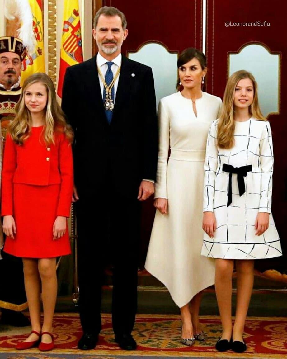 當公主的犧牲?15歲未來女王「嚴苛童年」曝光 站太久動腳「被老媽秒瞪」