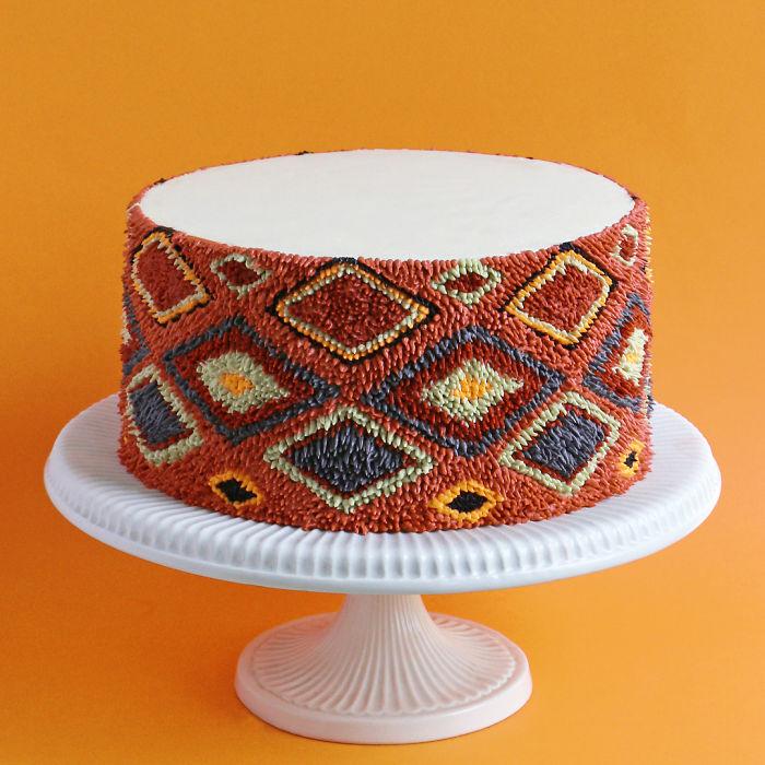 神手烘焙師烤出「波斯地毯蛋糕」...只能用奶油「點出來」!