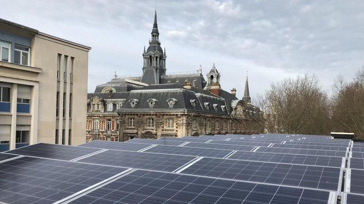 政府「裝187片太陽能板」半年都沒省到錢 官員細查發現...沒插電!