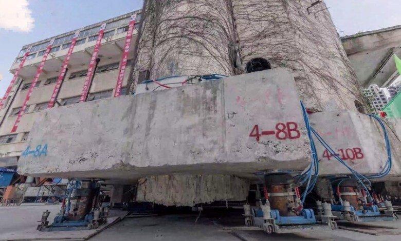 85年老建築搬遷全靠自己「走」 裝上198條腿搬到新家