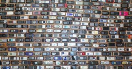 狂熱男收集破1000支「古董級手機」...每支都還能用!