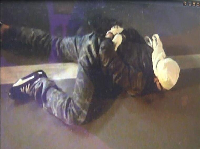 5個「史上最蠢」失敗小偷 脫鞋想安靜偷「腳太臭」被抓包