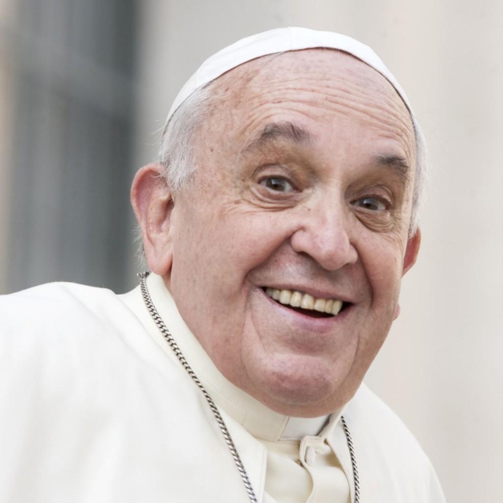 教宗IG「按讚」火辣嫩模照被抓包 她驚喜:我要上天堂了