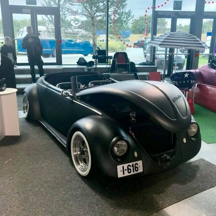 設計師改造「60年前金龜車→蝙蝠車」 現代x經典細節證明:老車不過時!