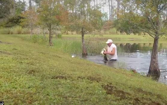 勇男「徒手」扳開鱷魚嘴 看「口中生物」才知他為什麼那麼拼命!