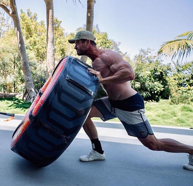 索爾「推卡車輪胎」爆秀二頭肌 克里斯普瑞特「壓力山大」:不准再練!